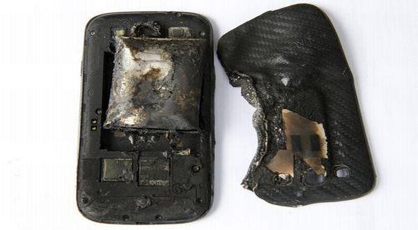 Ilustrasi Smartphone yang hangus terbakar ©Yahoo